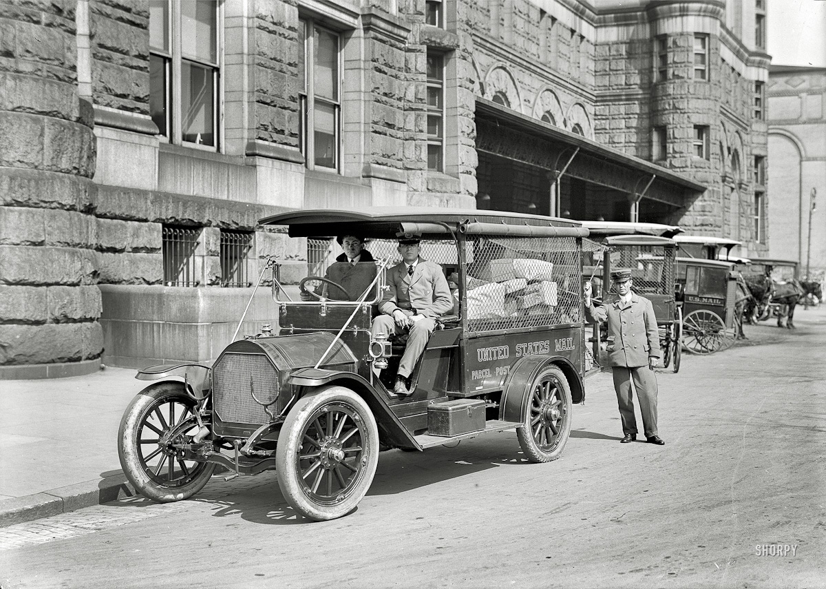 Post Office delivery truck in Washington DC 1914