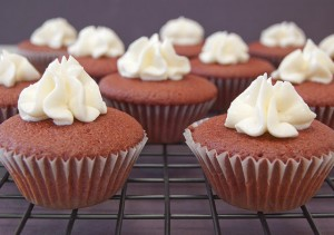 Red-Velvet-Mini-Cupcakes-2