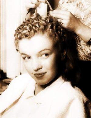 marilyn in vintage pin curls